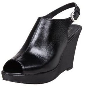 TAHARI OPEN TOE WEDGE CLOGS